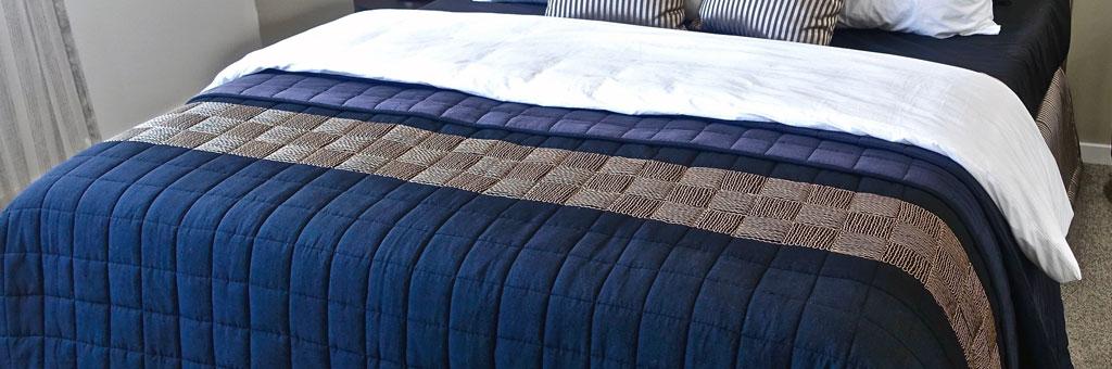 feigenbaum-cleaners-home-textiles-comforter-bedspread-170414-01